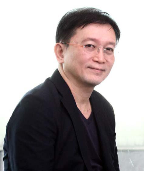 และ วุฒิชัย เจริญผล ผู้ช่วยประธานเจ้าหน้าที่บริหาร สายงาน Information Technology บริษัท บัตรกรุงไทย จำกัด (มหาชน)